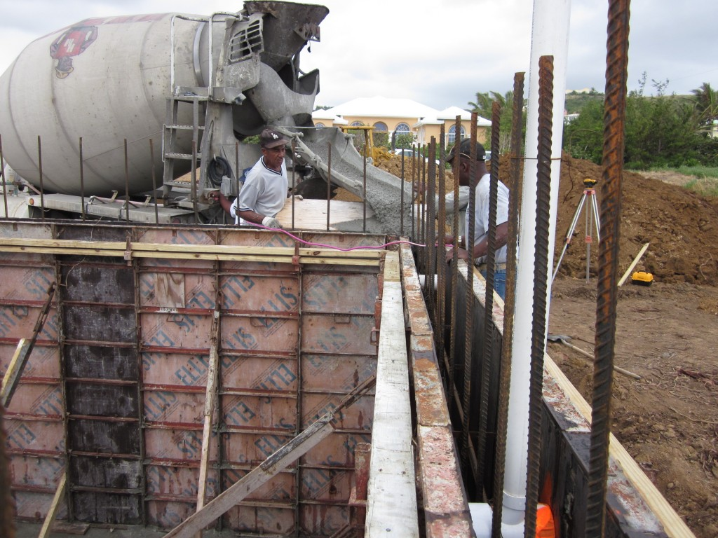 12-30-2010 - Cistern Wall Pour